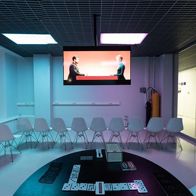 Интерактивный виртуальный тур выставки современного искусства
