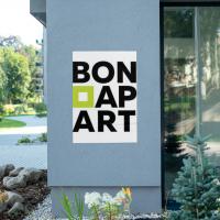 Название комплекса апартаментов BONAPART