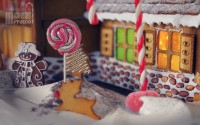 GingerBreadHouse_closeUp-c1