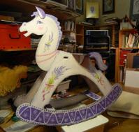 Лошадь качалка в стиле прованс.