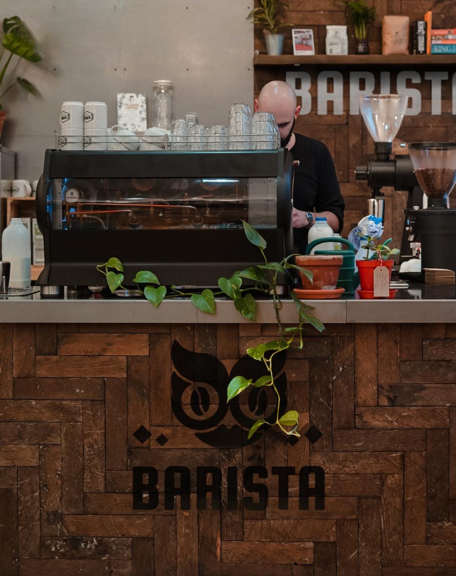 Ребрендинг логотипа сети кофеен фото f_0605ec9cdb4caa46.png