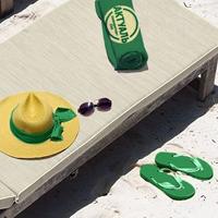 Брендинг пляжного лежака и полотенец