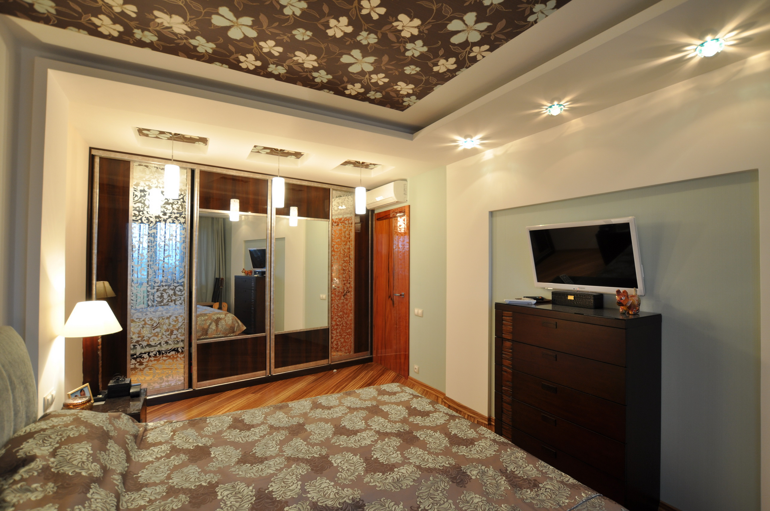 Квартира на ул. Одесская S=55 кв м. Спальня.