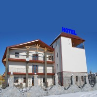 """Дизайн накрышной рекламной конструкции для Готеля """"Стара вежа"""" (вариант-3)"""