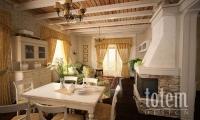 Гостиная дома в стиле прованс