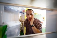 Морозилка работает отлично, а холодильник — нет