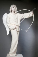 Живая статуя ангела