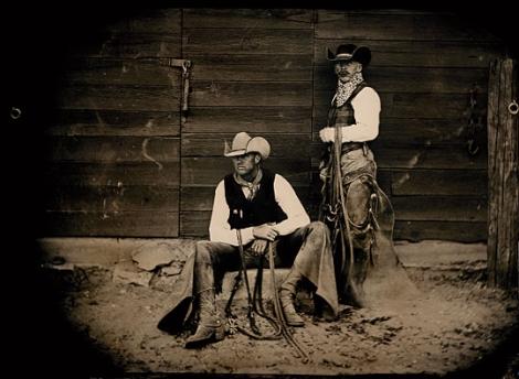 Ковбойский стиль одежды немыслим без такого аксессуара, как шляпа.