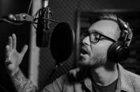 Диктор - мужской голос