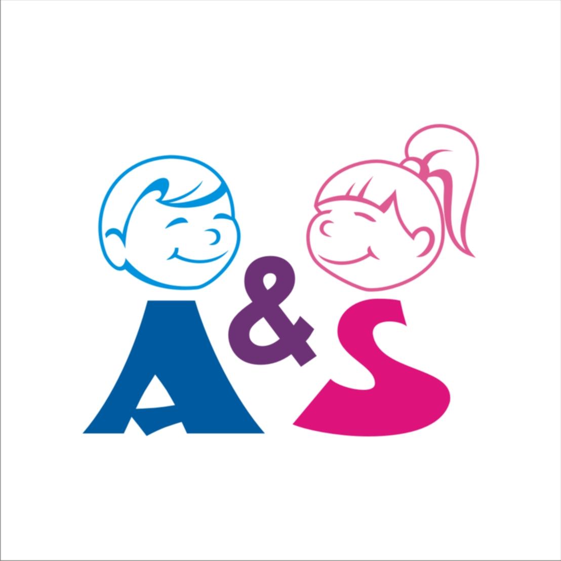 Логотип и вывеска для магазина детской одежды фото f_4c852cc3e4981.jpg