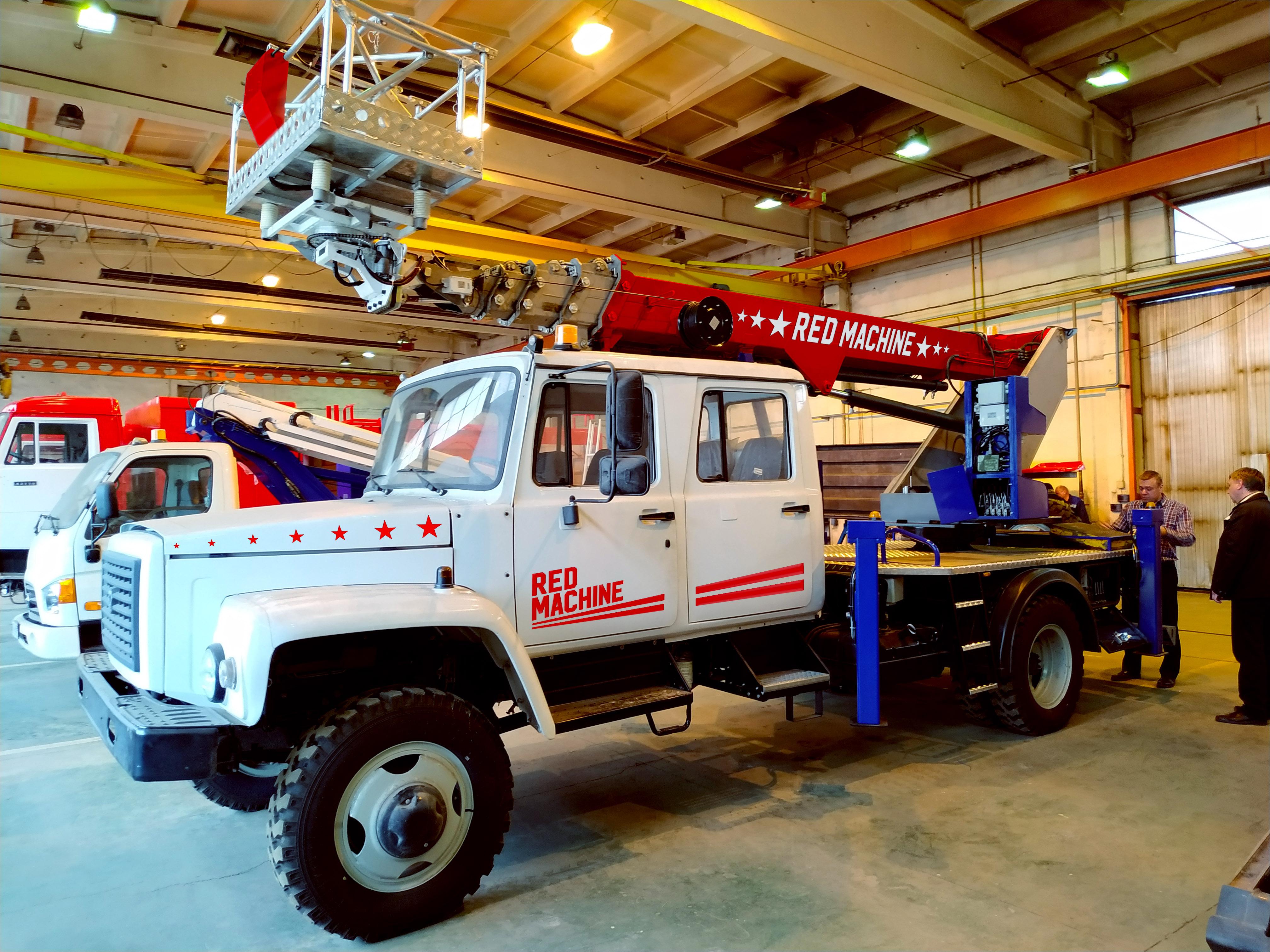Оформление автогидроподъёмника,  бренд - RED MACHINE фото f_5085e171a23a654d.jpg