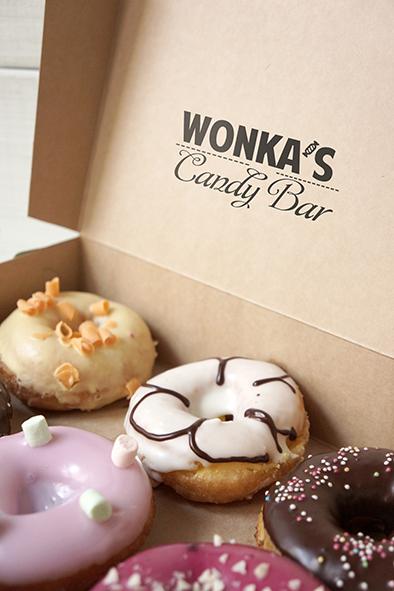 Разработка логотипа магазина сладостей со всего мира. фото f_2885a298f2437517.jpg