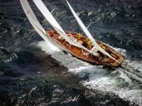 Тонущая яхта...Тонущие надежды...