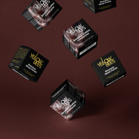 Дизайн упаковки и этикетки для линейки натуральных восковых кремов для мебели из кожи на основе пчелиного воска.