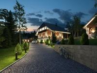 Загородный дом с участком вид1 (вечер)