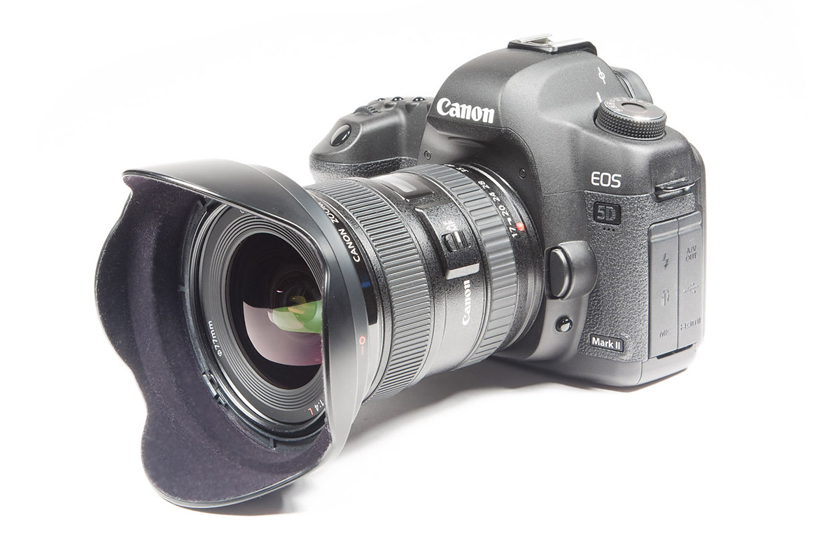 Круговая студийная съемка Фотокамеры Canon 5dMarkII с объективом Canon 17-40 f/4.0 L USM для 3д ролика